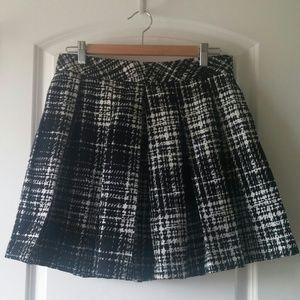 Banana Republic Plaid pleated skirt