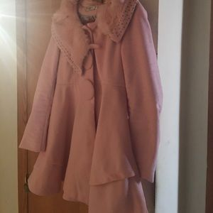 Jackets & Blazers - Pink stroller with faux fur collar and metal studs
