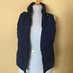 Abercrombie & Fitch navy puffer vest