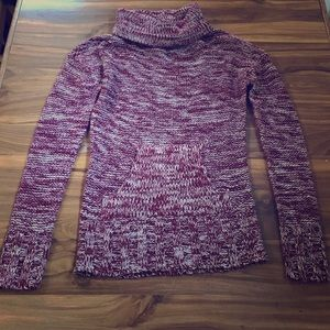 Maroon and White Knit Sweater with Pouch