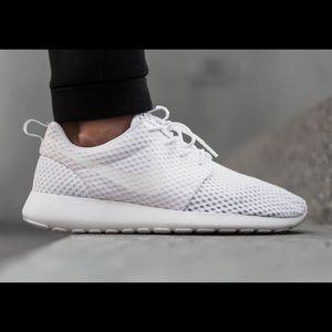 Nike Roshe, white womens size 8