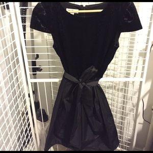 Ivy and Blu Dresses & Skirts - Ivy & Blu Cap Sleeve Velvet Top Dress