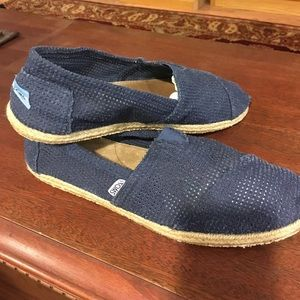 TOMS Other - Men's Slip On's Navy Toms