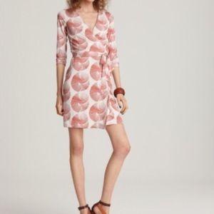 Diane von Furstenberg Dresses & Skirts - NWT🎉Diane von Furstenberg DVF SunDial Wrap Dress