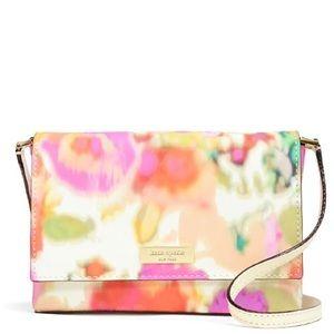 kate spade Handbags - 1 HR SALE❗️NWT Kate Spade beautiful crossbody!!