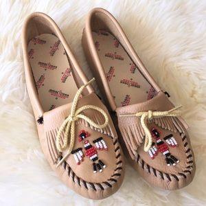 Minnetonka Shoes - Minnetonka Thunderbird Moccasins!