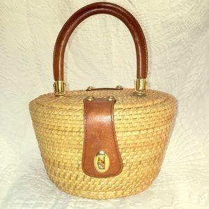 Handbags - Cute basket purse!