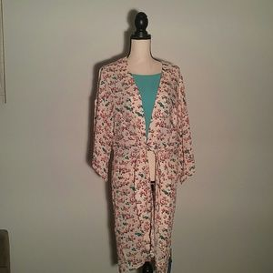 Honey Punch Tops - Long Floral kimono tie front