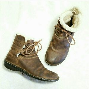 UGG Shoes - UGG Genuine Leather & Sheepskin Lace Up Snow Boots