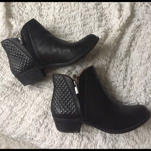 46ccbea6206 Lucky Brand Black Ankle Boots - 8 - Like New!