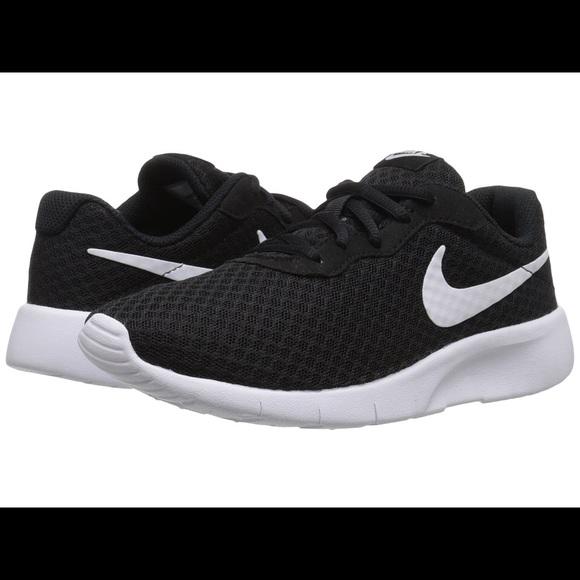 197961c6626f Nike Tanjun shoes kids 11 - good condition. M 58aa31384e95a3999f16dc75