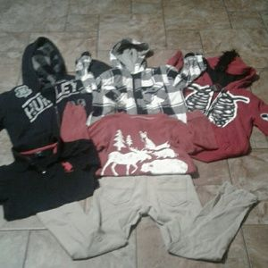 Other - Boys outfit size 5-6.