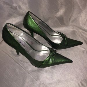 Anne Michelle Shoes - NEW! ANNE MICHELLE Pointed Toe Green Heels Sz: 7.5
