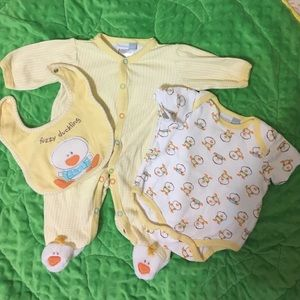 Vitamins Baby Other - Sweet 3-Piece Duckling 🐥 Set