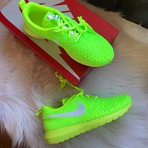 Nike Shoes - Nike Roshe NM Flyknit Sneakers