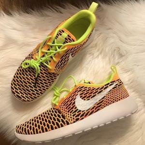 Nike Shoes - Nike Roshe One Flyknit Sneakers