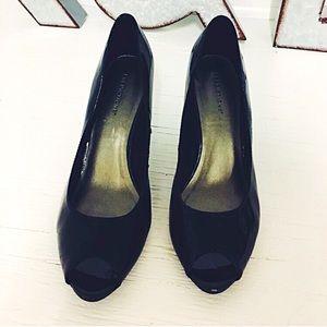 Predictions Shoes - Black open toe heels
