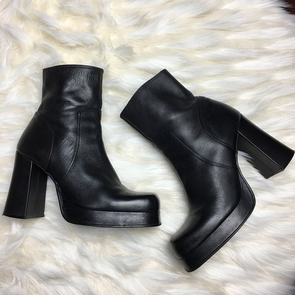 b9553eff762 Vintage 90s Chunky Boots