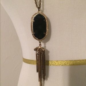 Jewelry - Black and gold tassel necklace