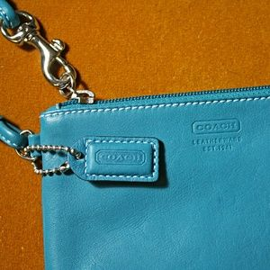 NWOT💎Coach💎Leather small wristlet