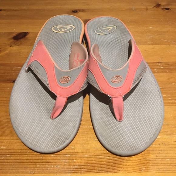b73e4e8a8bf Reef women s (used) bottle opener sandals-. M 58aa5066fbf6f93a95034c7b