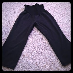 Motherhood Pants - Maternity Capri leggings