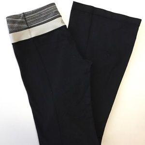 lululemon athletica Pants - Lululemon Reversible Groove Pant Black & Gray 6