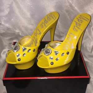 Apple Bottoms Shoes - APPLE BOTTOMS by Nelly Yellow Platform Heels Sz: 8