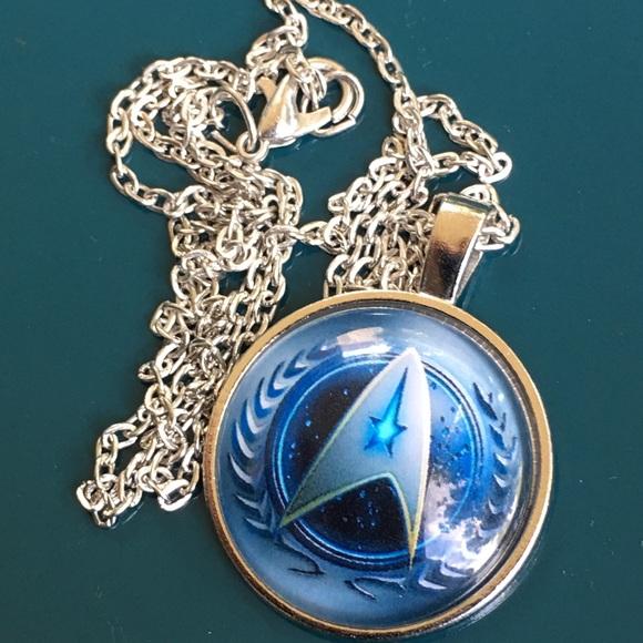 Jewelry - Star Trek emblem on pendant