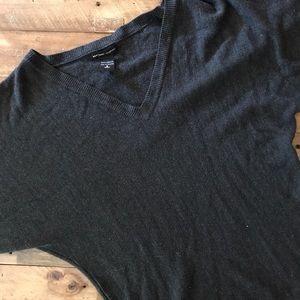 New York & Company Sweaters - 🌸2FOR$12🌸 NY&CO 3/4 Sleeve Sweater V-Neck
