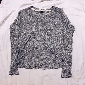 Cropped sweater knit size small