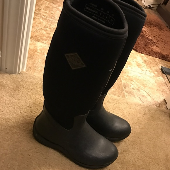 20% off muck boots Shoes - Muck boots size 6 from Allison's closet ...