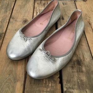 Pretty Ballerinas Shoes - Pretty Ballerinas 8.5 Silver Leather Ballet Flats