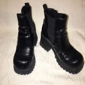 LEI chunky boots