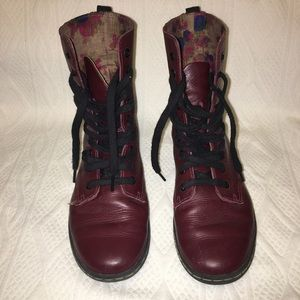 Dr. Marten maroon fitted boot