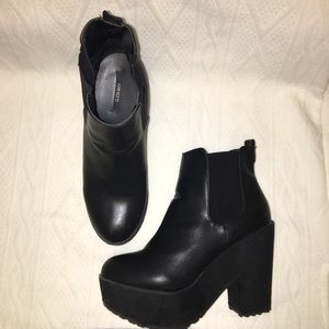 Forever 21 heeled bootie