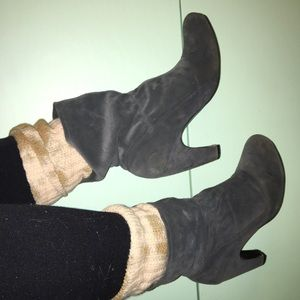 Heeled leather booties