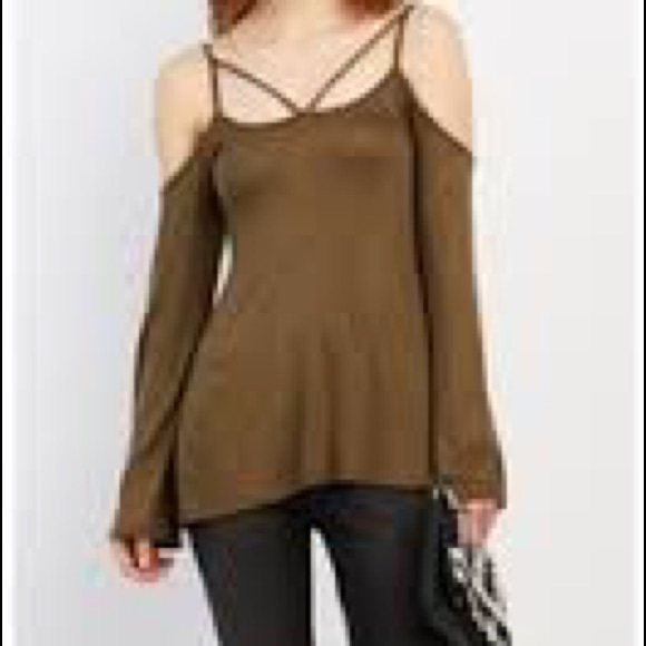 64d2a52bf3a3b Strap cold shoulder top