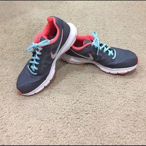 Nike Shoes - 🍄💙 Nike Downshifter 6 athletic shoe!