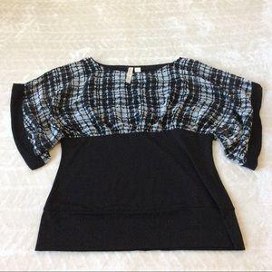 Adiva Tops - Black and White Kimono Sleeve Top