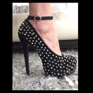 traffic Shoes - ✨Sale✨Traffic platform stilettos