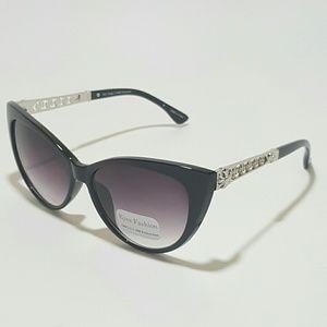 Black/Silver Cateye Sunglasses