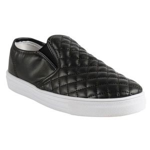 Boutique Shoes - Black Quilted Flat Sneakers Tennis Shoes