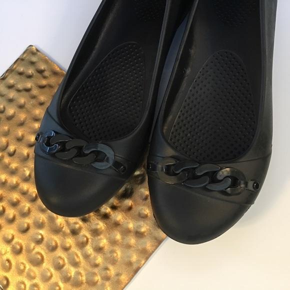 834fc199e CROCS Shoes - CROCS Flats Closed Toe Shoe Slip on Waterproof