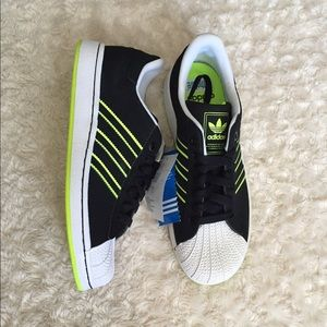Adidas Shoes - Adidas Superstar 2 J