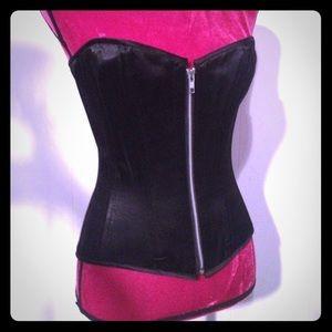 "dollskill Other - Nwt steel boned black 24"" waist training corset"