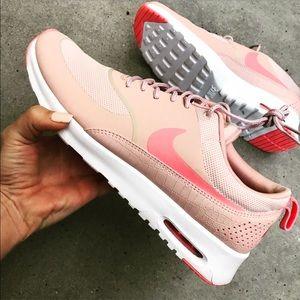 Nike Shoes - NWOB 💐 NIKE AIR MAX THEA SIZE 12 women's