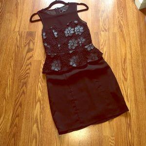 Greylin Dresses & Skirts - GREYLIN Peplum Lace Dress