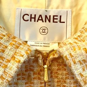 Authentic Chanel Silk and Wool Coat size S/34
