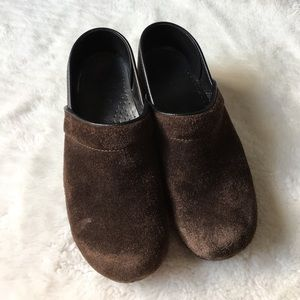 Dansko Shoes - Dansko Brown Suede Clogs size 39